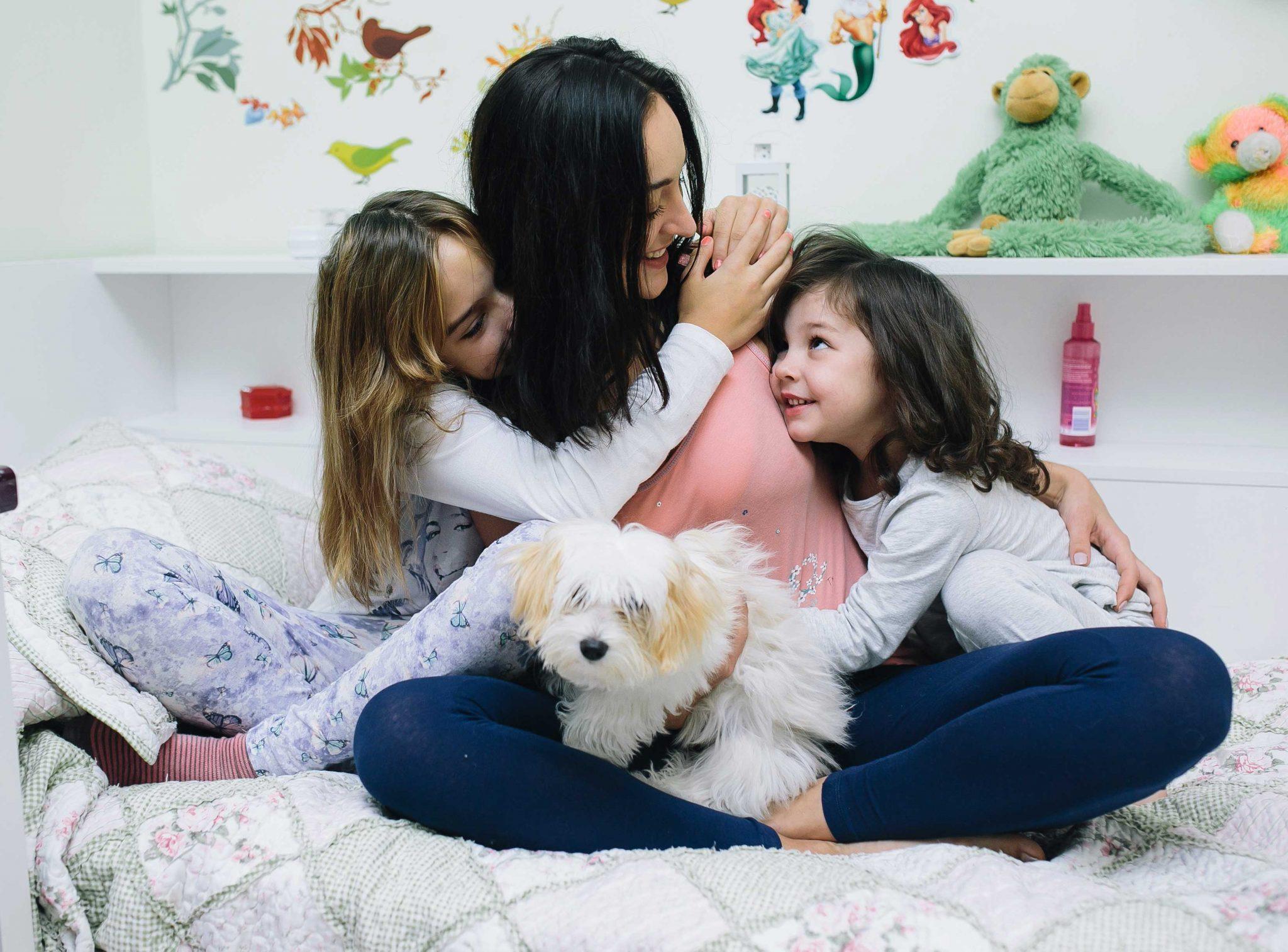 """ביהמ""""ש דחה בקשה של אב להפחתה זמנית של מזונות ילדיו הקטינים שנקבעו על-ידי הצדדים במסגרת הסכם גירושין"""